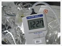 人体の血液循環を再現。 血圧、血流量、血液温度も再現します。